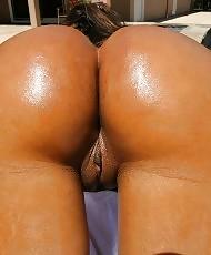 Curvy black babe rides