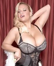 Chubby blonde posing