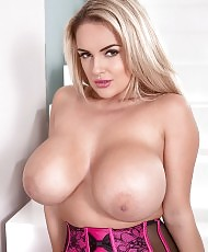 Sexy babe with huge tits