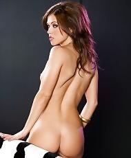 Gloria aura nude pics